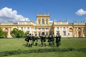 Auftritt vor imposanter Kulisse des barocken Palastes Wilanów